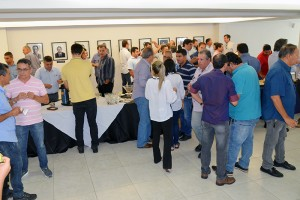 No final do evento, todos se confraternizaram com um coffe break
